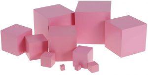 Torre de cubos rosa