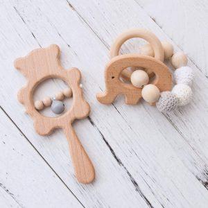 Conjunto de mordedores Montessori de madera